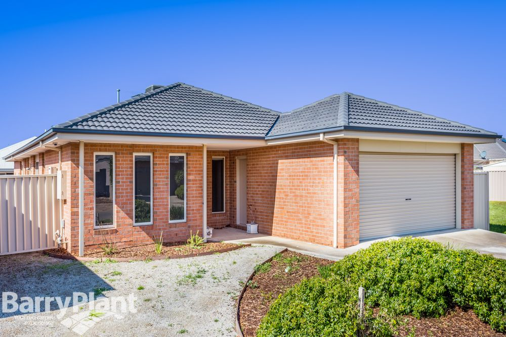 6 Grenache Street, Point Cook VIC 3030, Image 2