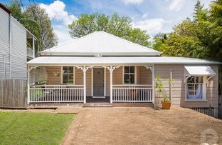 Picture of 43 Lintern Street, Red Hill QLD 4059