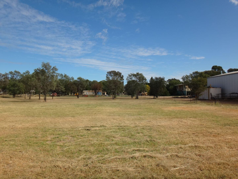 17B Crendon Street, Emerald QLD 4720, Image 2