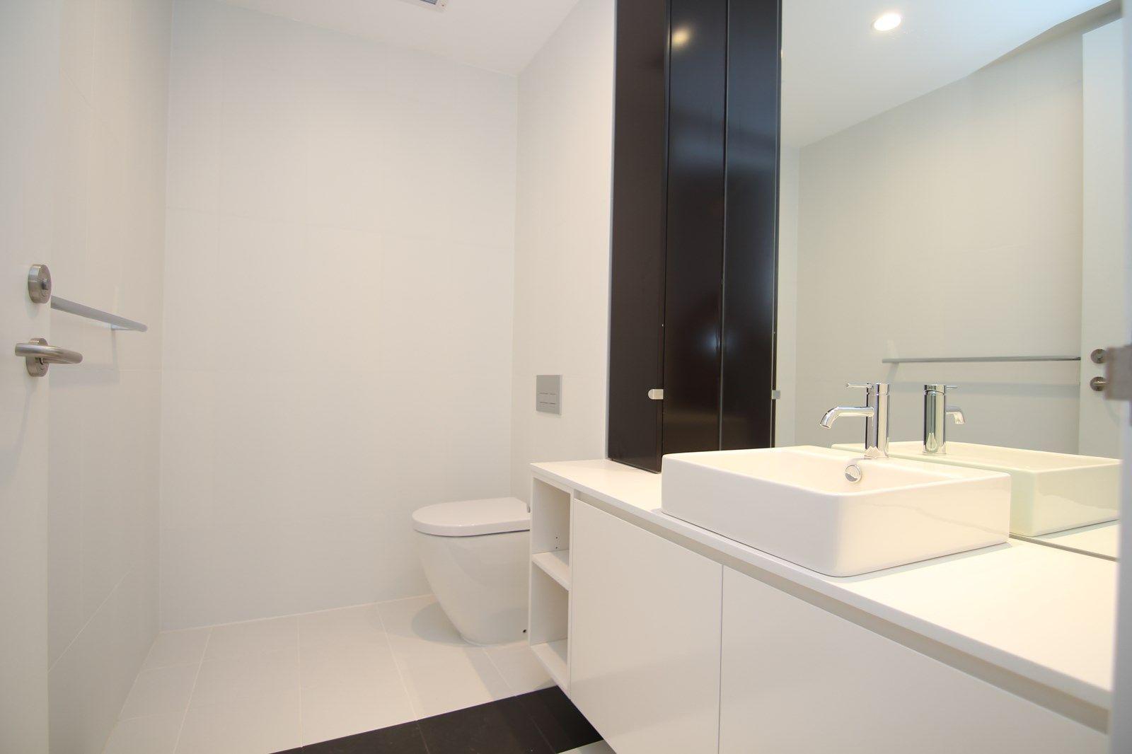 807/8 Northcote Street, St Leonards NSW 2065, Image 2