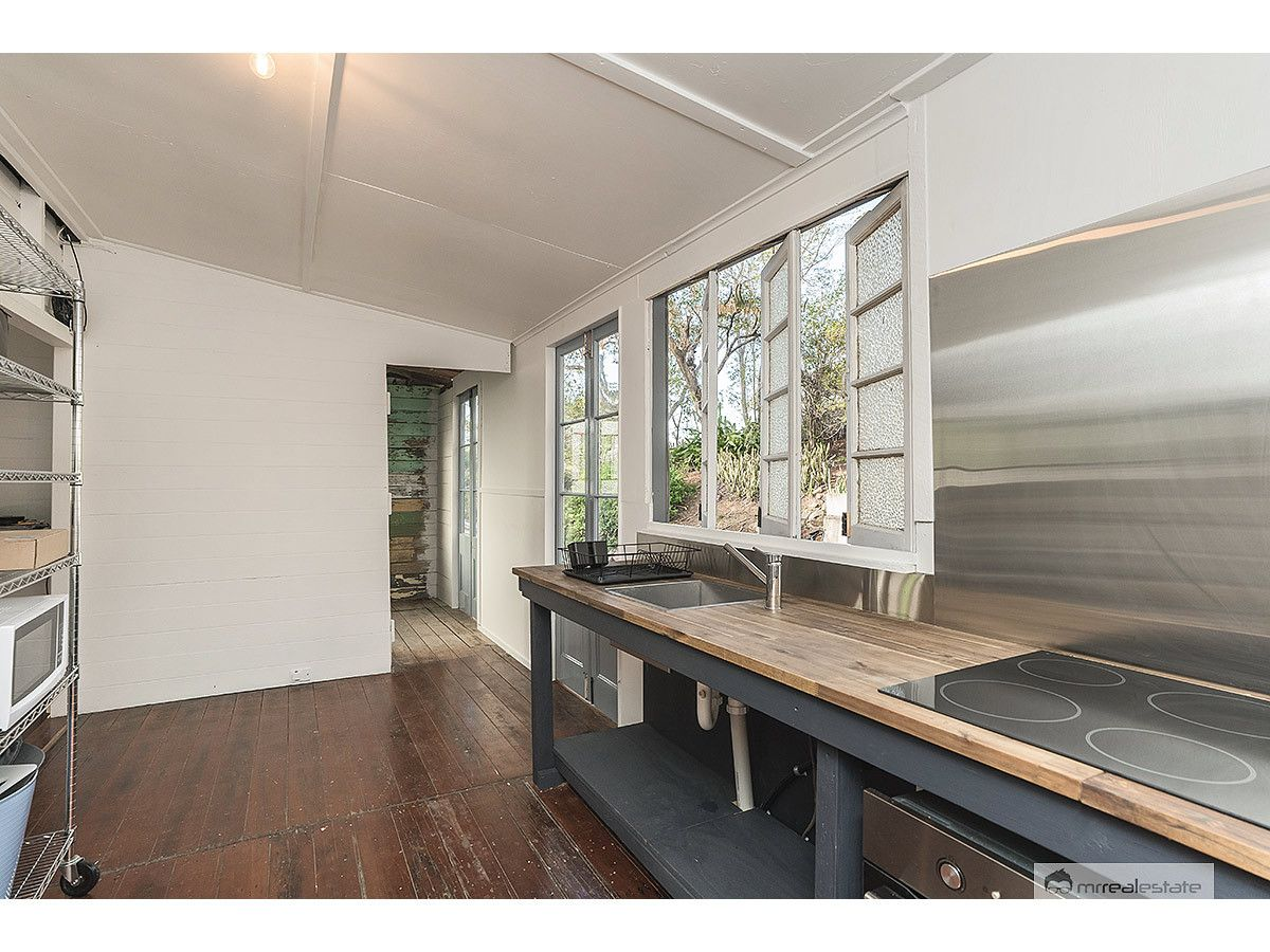 37 Central Street, Mount Morgan QLD 4714, Image 2
