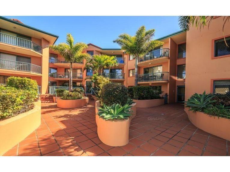 2/12 Gillian Lane, Southport QLD 4215, Image 0