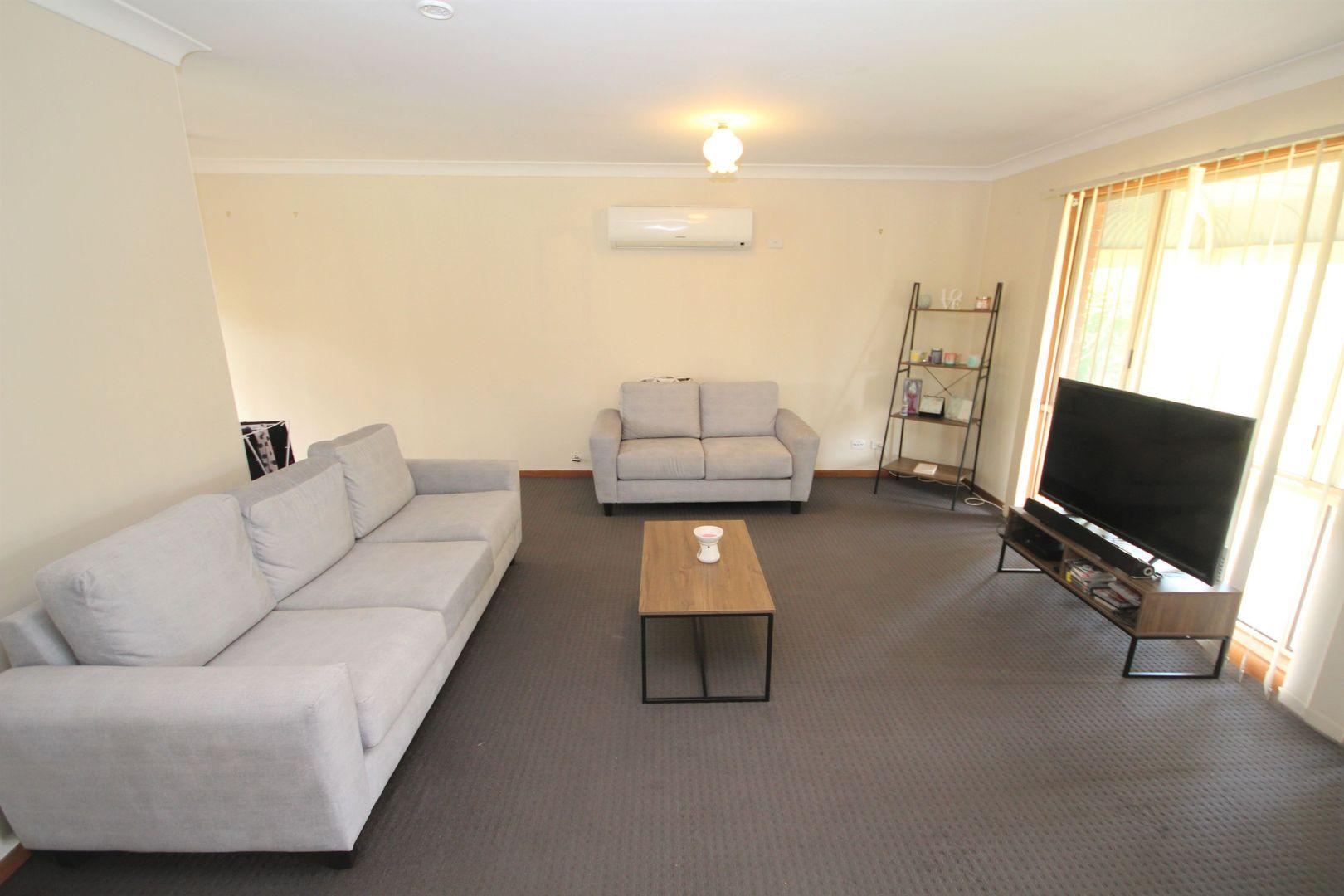 12 Lockett Place, Tolland NSW 2650, Image 1