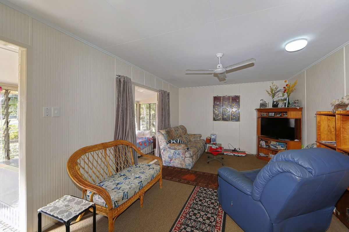 26 Dix Street, Kepnock QLD 4670, Image 2