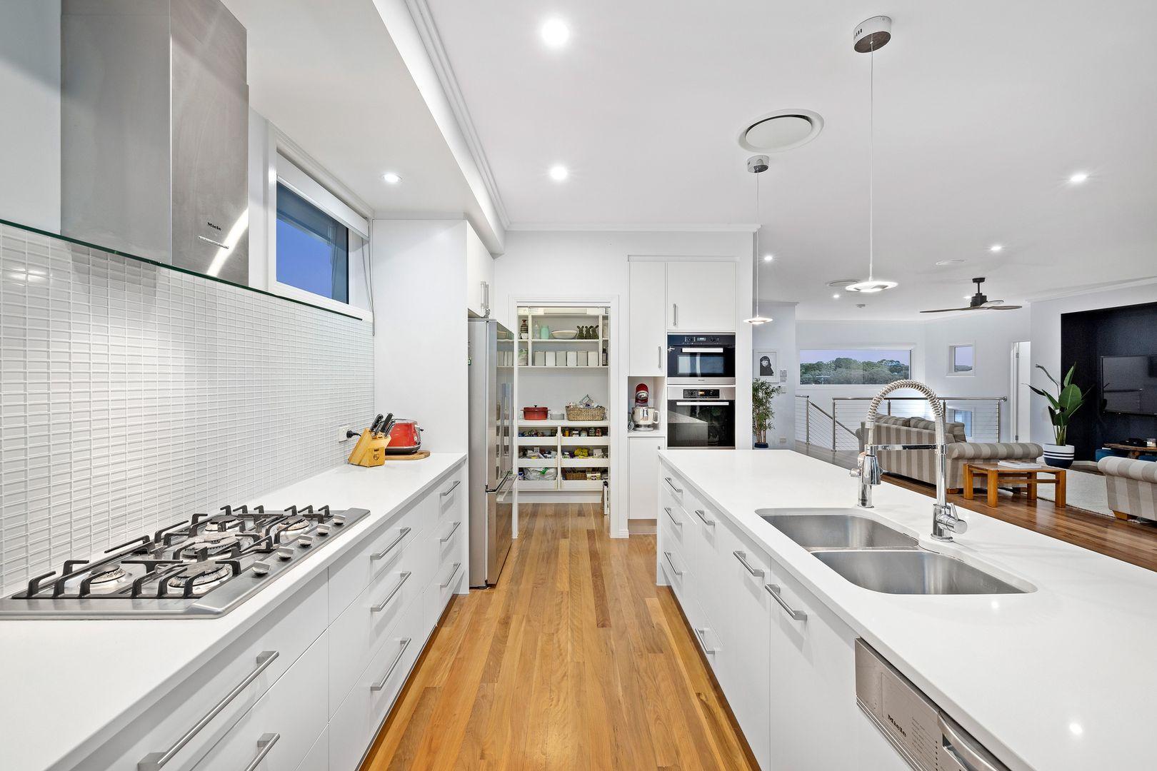 12 Bisley Place, Wakerley QLD 4154, Image 2