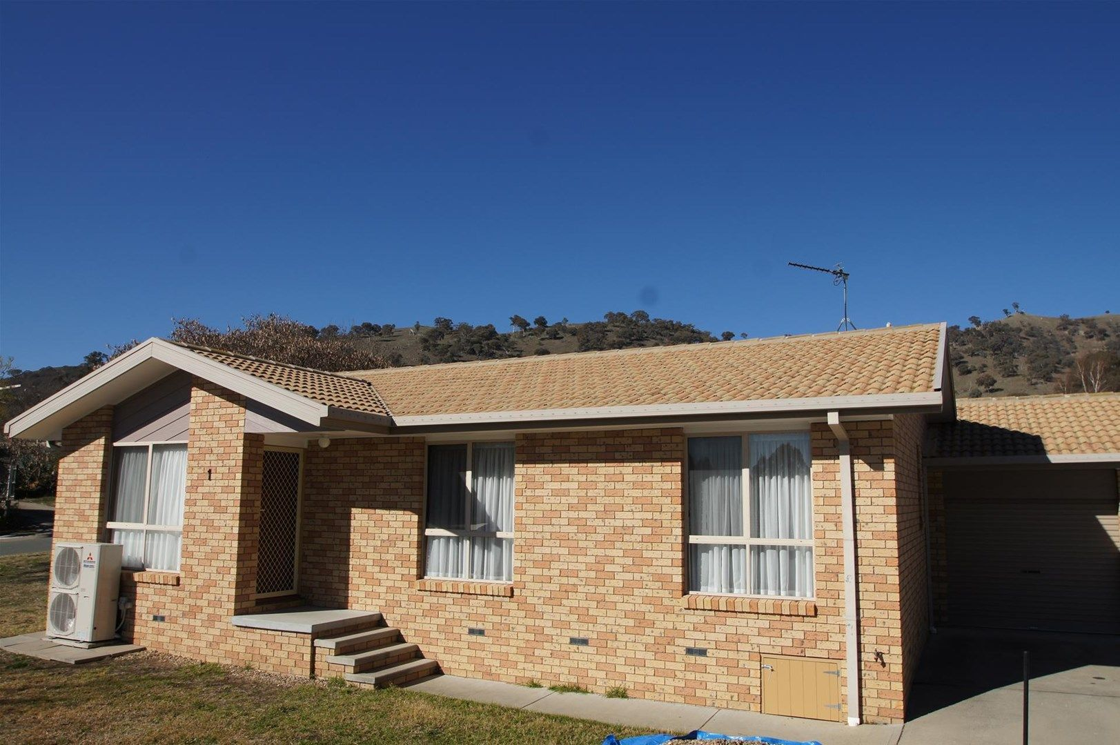 2/1 Stead Place, Banks ACT 2906, Image 0