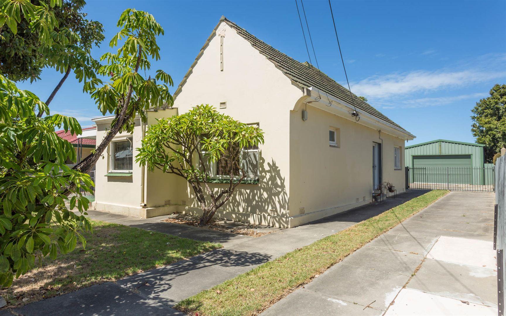 18 Churchill Road, Victor Harbor SA 5211, Image 0