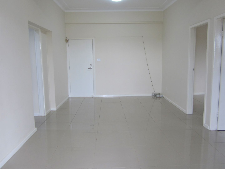 3/187 Elizabeth Drive, Liverpool NSW 2170, Image 2