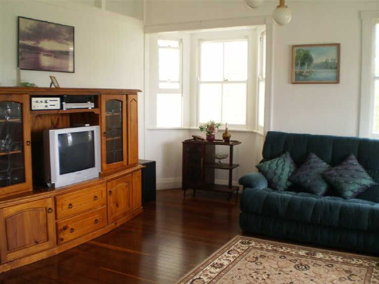15 Gordon Street, Bowen QLD 4805, Image 2
