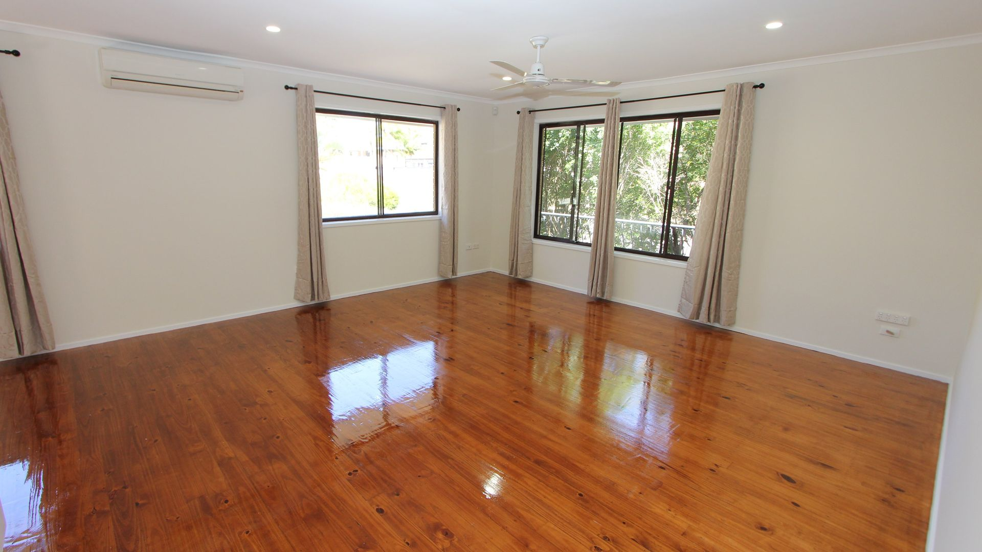 11a Kurrambee Avenue, Ashmore QLD 4214, Image 2