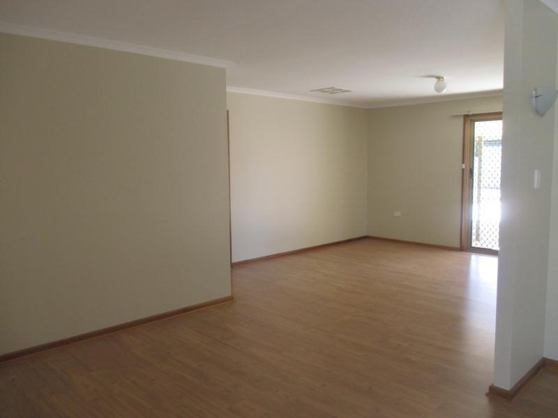 7 Gregory Street, Roxby Downs SA 5725, Image 1