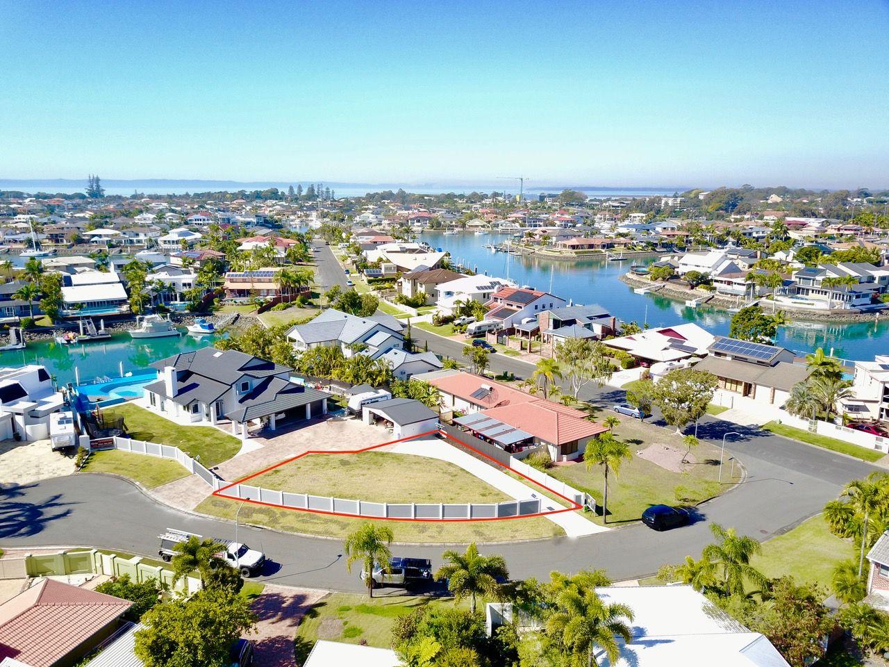 9 Binnacle Close, Raby Bay QLD 4163, Image 2