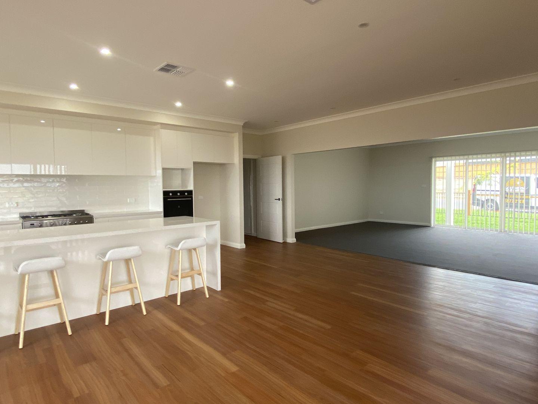 7 Green Street, Renwick NSW 2575, Image 2