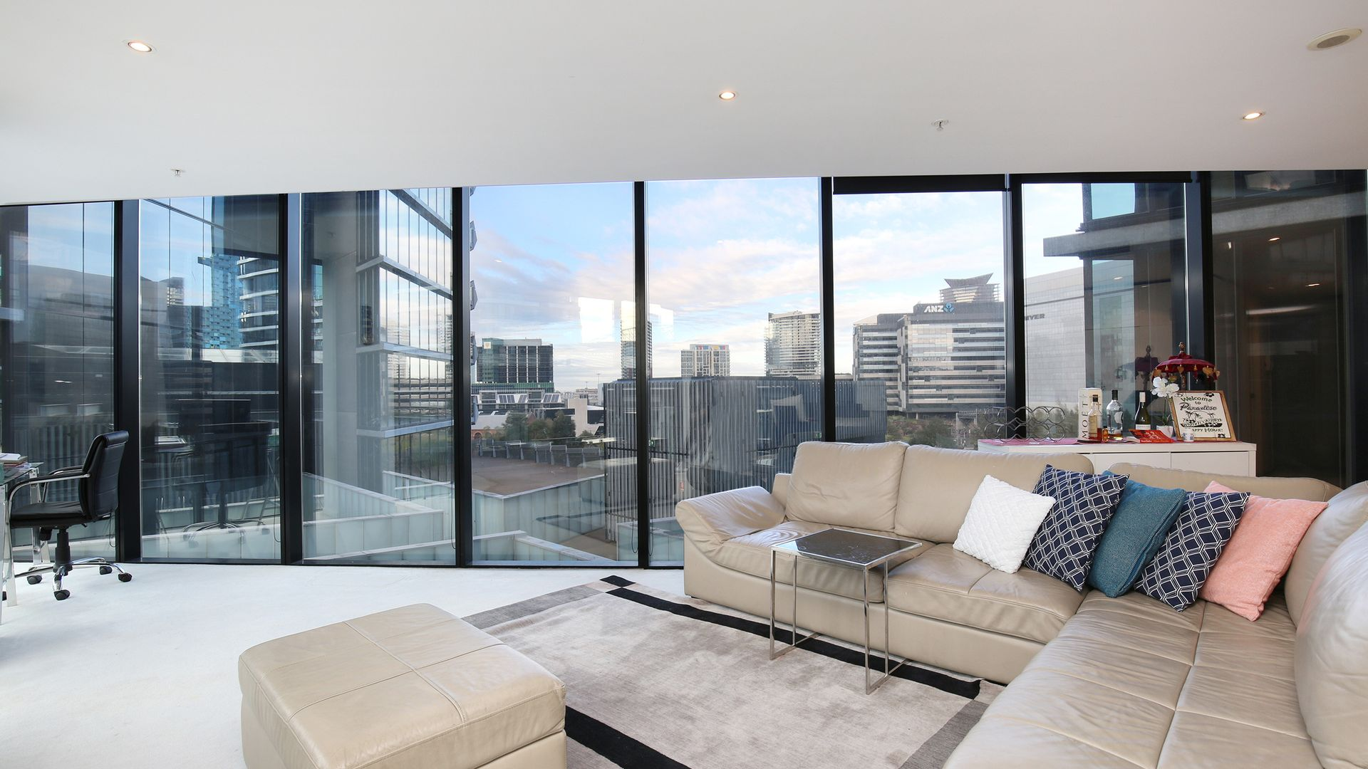 607/18 Waterview Walk, Docklands VIC 3008, Image 2