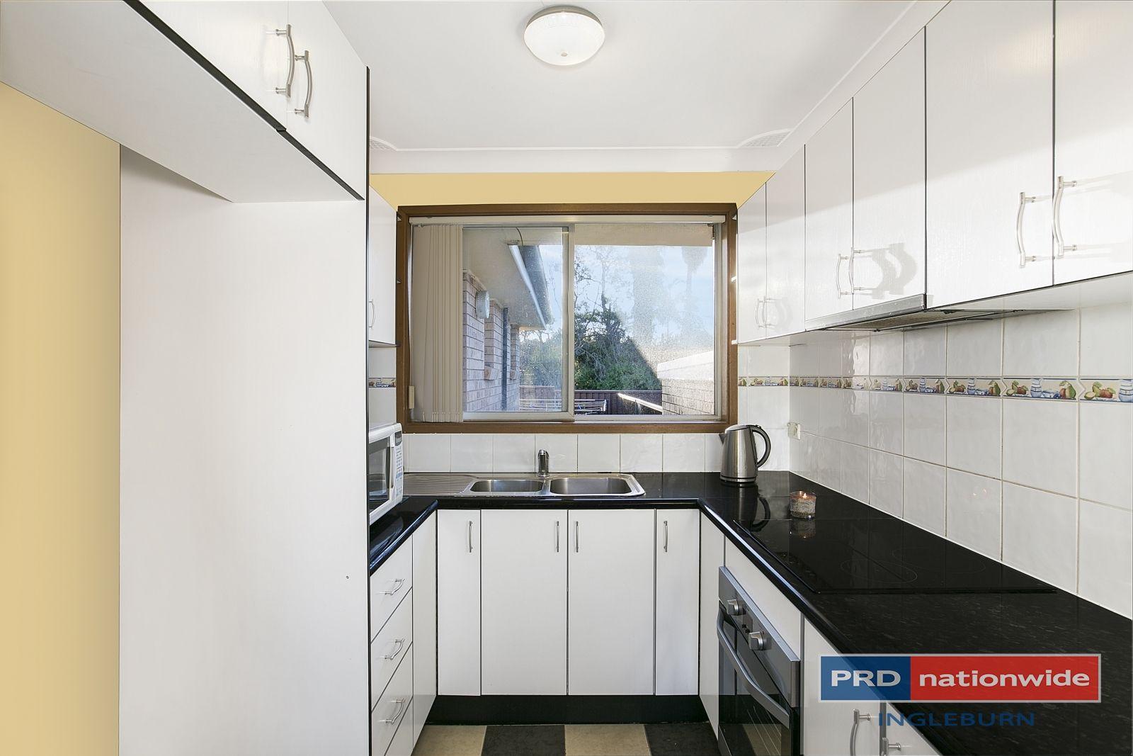 12/4 Sitella Pl, Ingleburn NSW 2565, Image 2