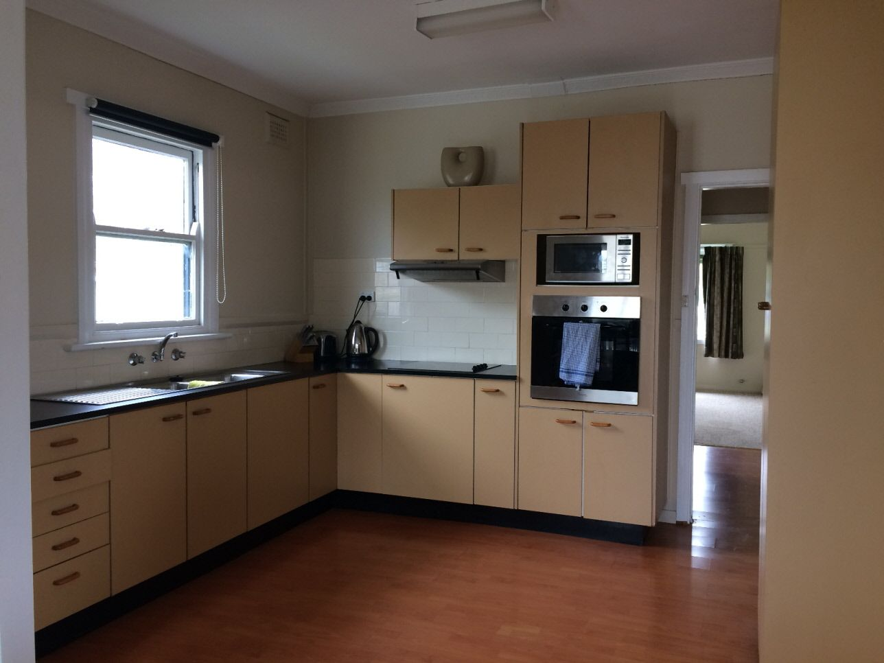 16 Margaret Street, Cootamundra NSW 2590, Image 2