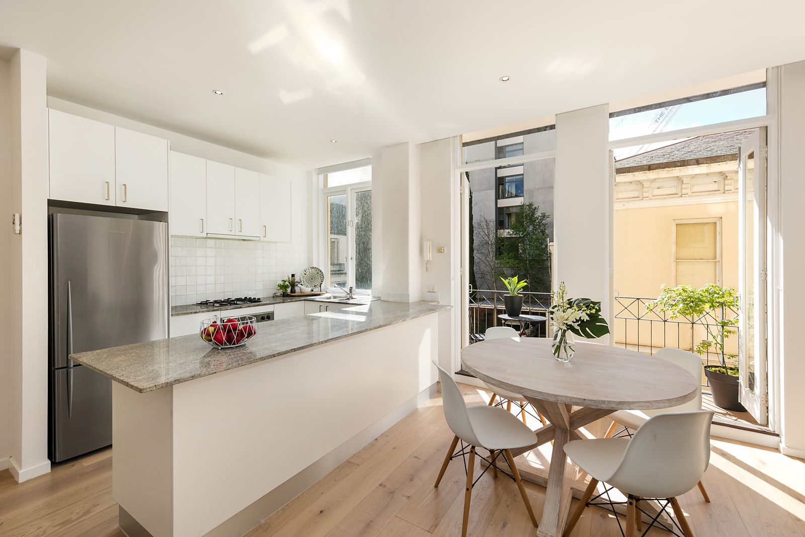 11/322 Albert Street, East Melbourne VIC 3002, Image 2