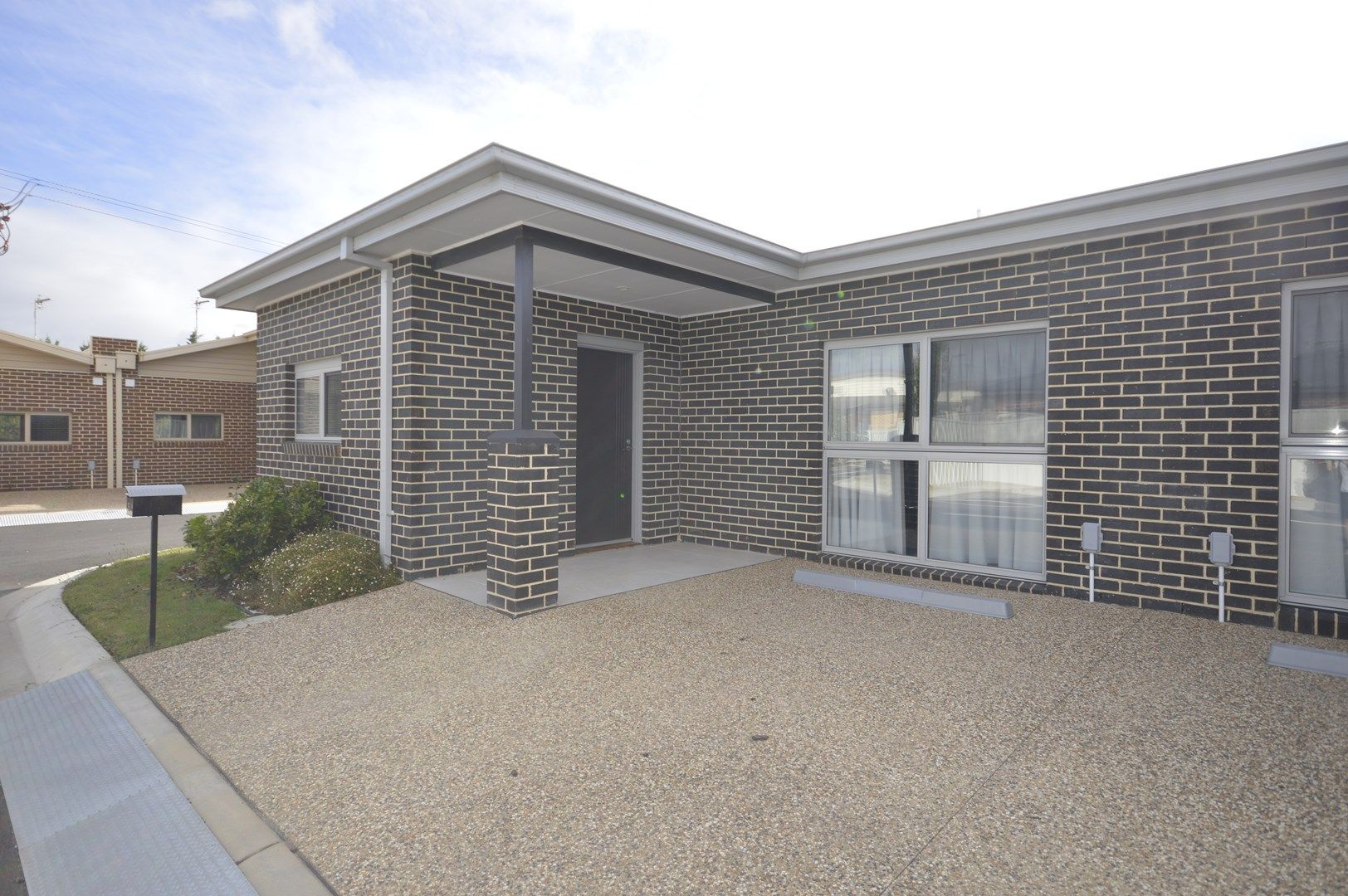 2 Bdrm Unit/83 Marshalls Road, Traralgon VIC 3844, Image 0