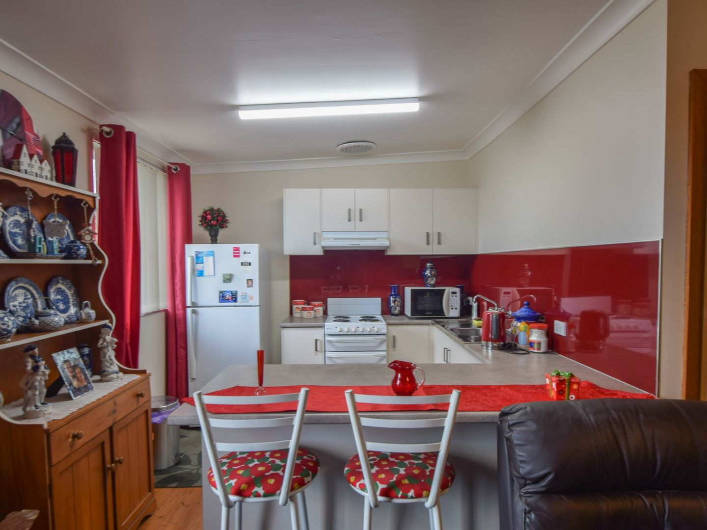6 Spring Street, Young NSW 2594, Image 2