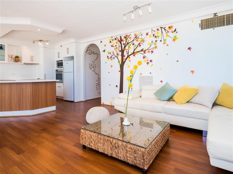 1402/28 Northcliffe Tce, Surfers Paradise QLD 4217, Image 2