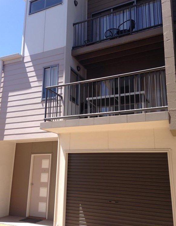 4/4 Rossella Street, West Gladstone QLD 4680, Image 0