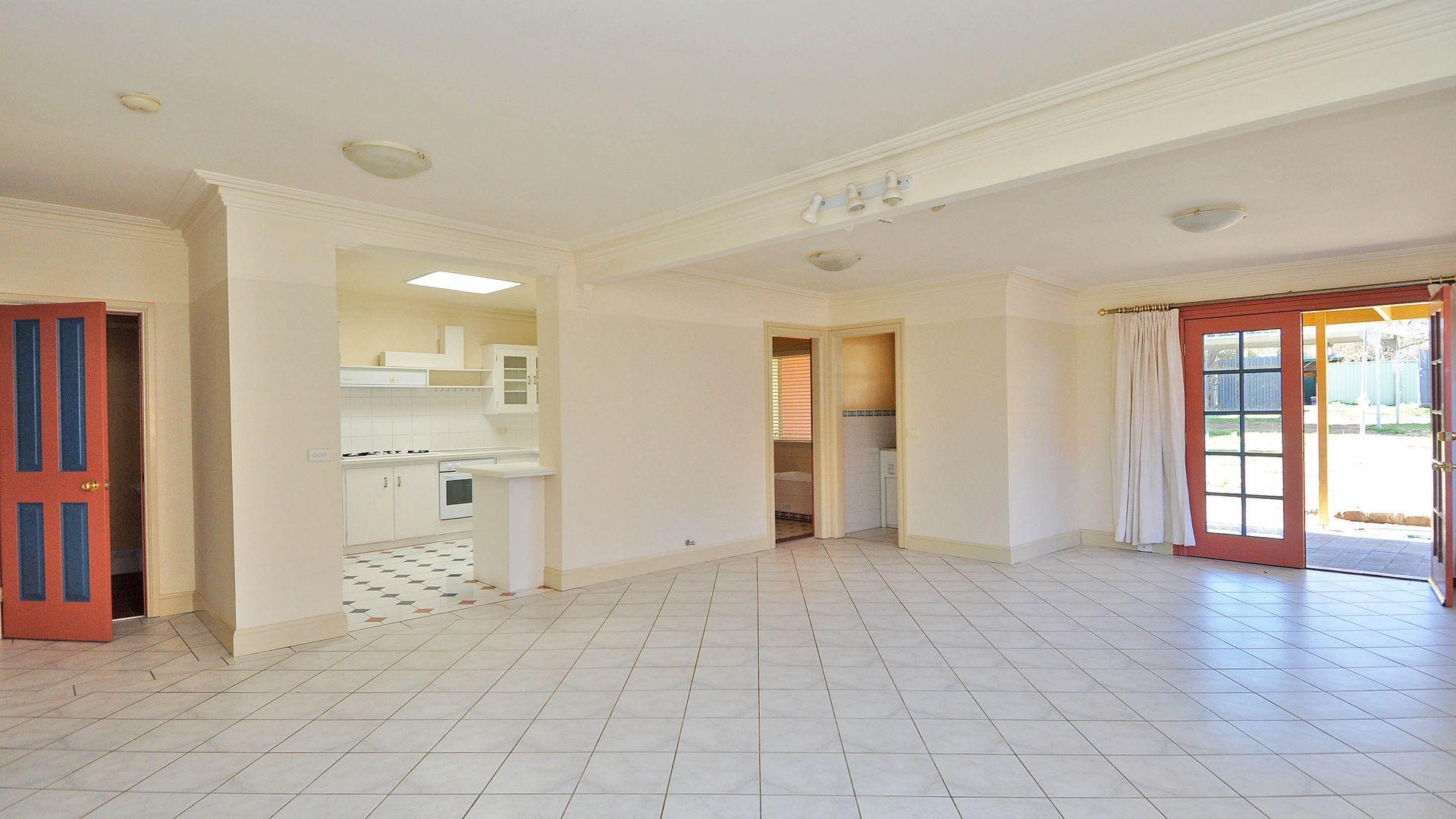 15 Blandford Street, Bathurst NSW 2795, Image 2