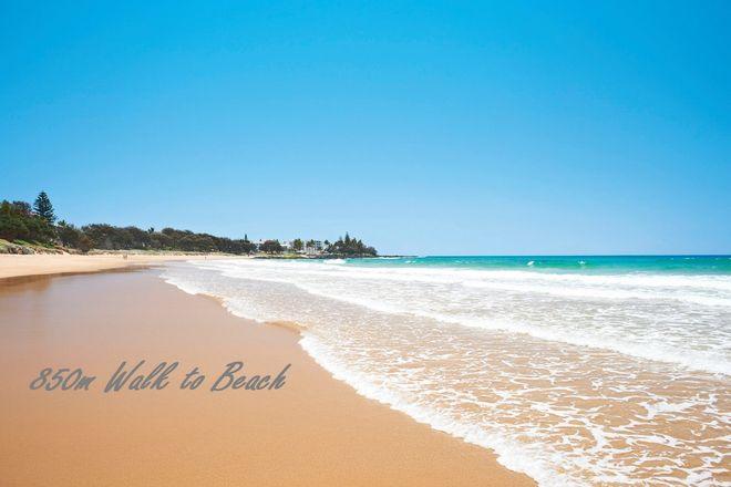 Picture of 15 Beachside Circuit, BARGARA QLD 4670