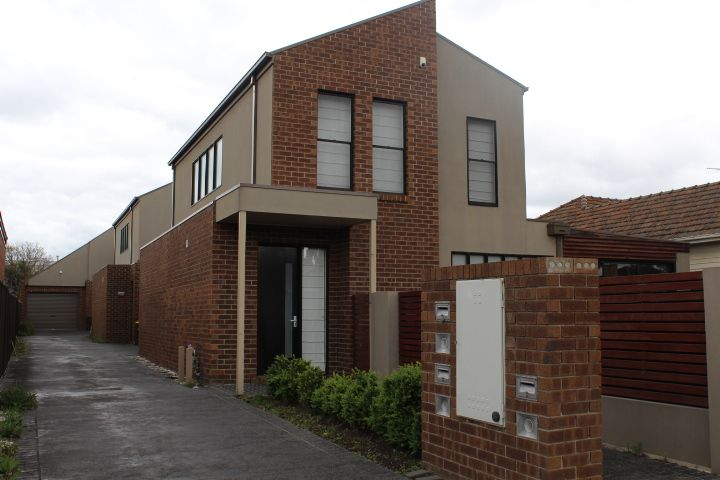 2/7 Pardy Street, Pascoe Vale VIC 3044, Image 0