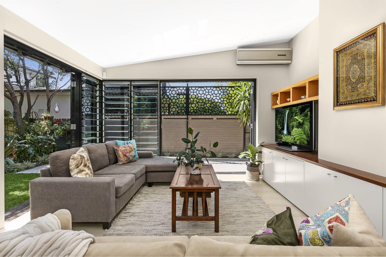 2b Malacoota Road, Northbridge NSW 2063, Image 2