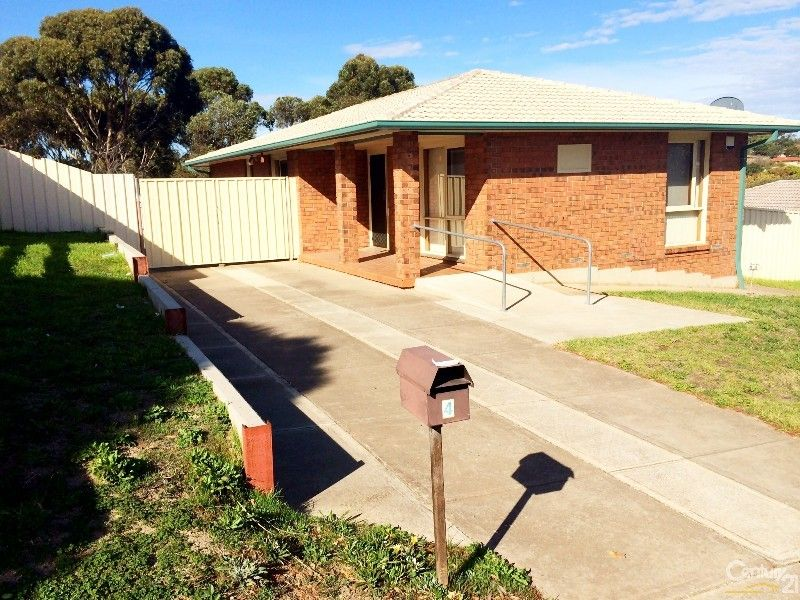 4 Cumberland Crescent, Huntfield Heights SA 5163, Image 0