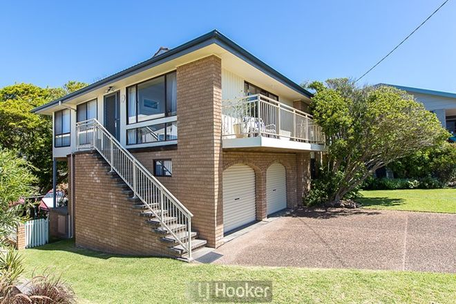 Picture of 64 Ocean View Parade, CAVES BEACH NSW 2281