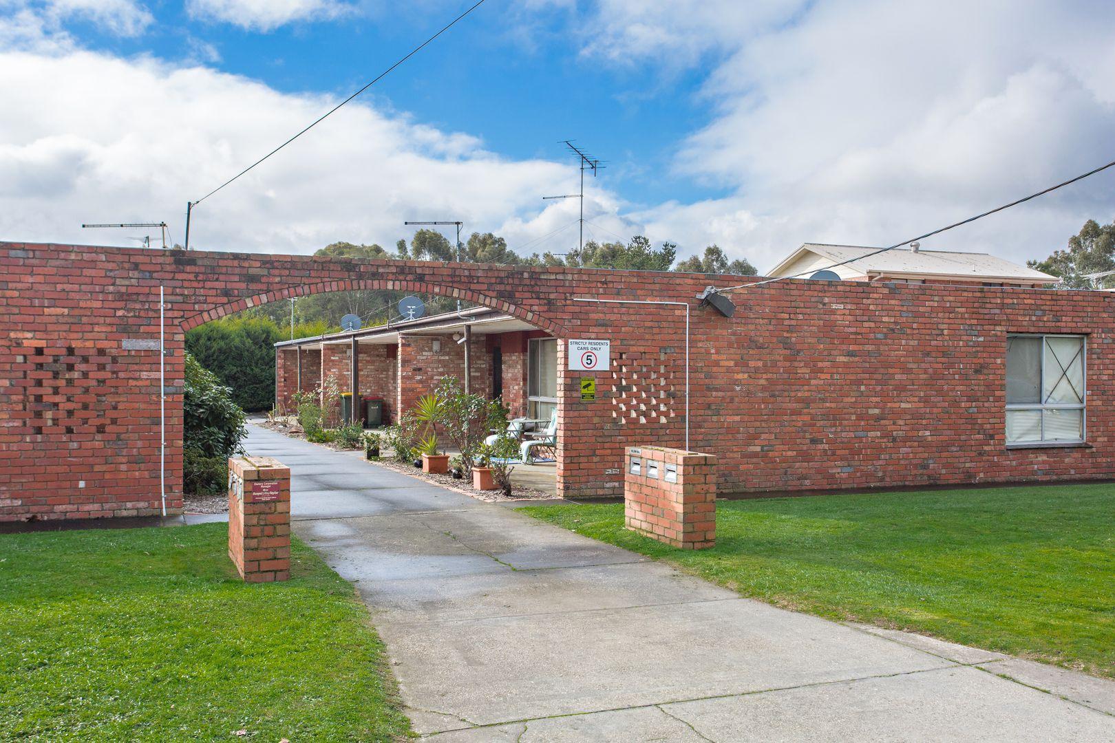 Unit 6/104 - 106 Sawyer Ave, Canadian VIC 3350, Image 1