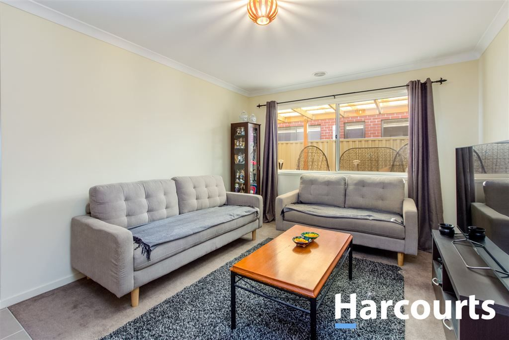 7 Starling Street, Cranbourne East VIC 3977, Image 1