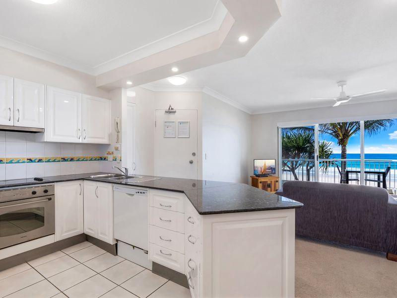 16/2 Seventeenth Avenue, Palm Beach QLD 4221, Image 1