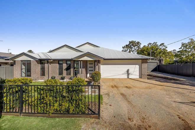 Picture of 33 John  Street, SOUTHBROOK QLD 4363