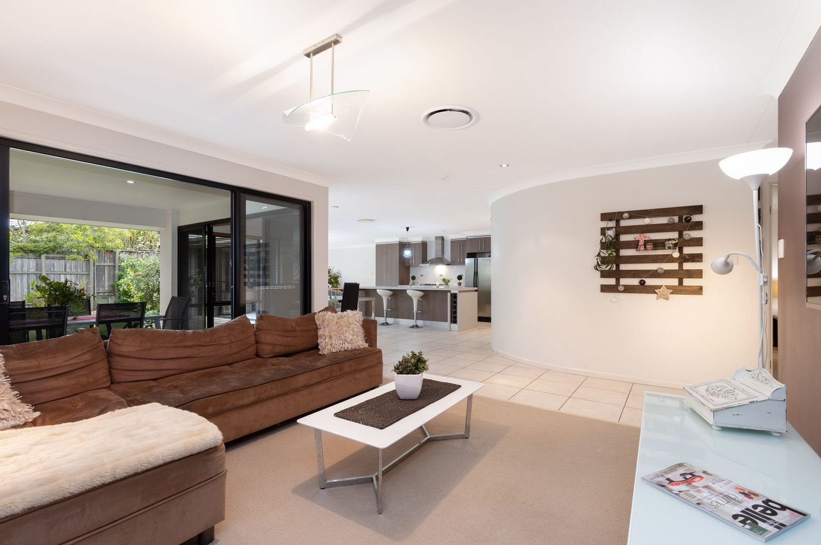 9 Backhousia Crescent, Sinnamon Park QLD 4073, Image 2