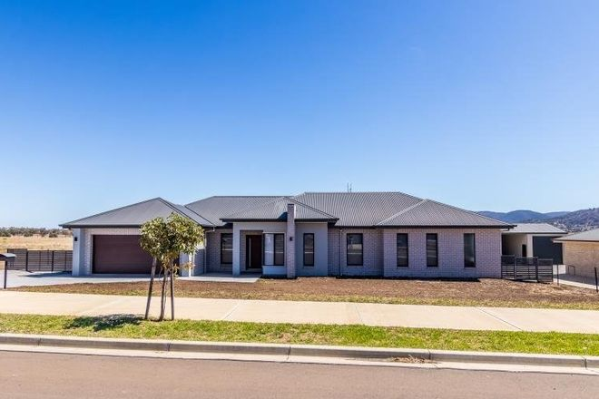 Picture of 8 Glenmore Drive, TAMWORTH NSW 2340