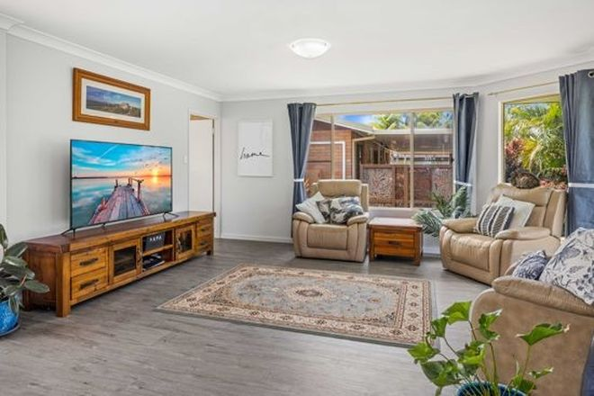 Picture of 17 Timothy Esplanade, BEACHMERE QLD 4510
