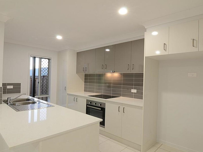 30 Bridgewater Crescent, Redland Bay QLD 4165, Image 2