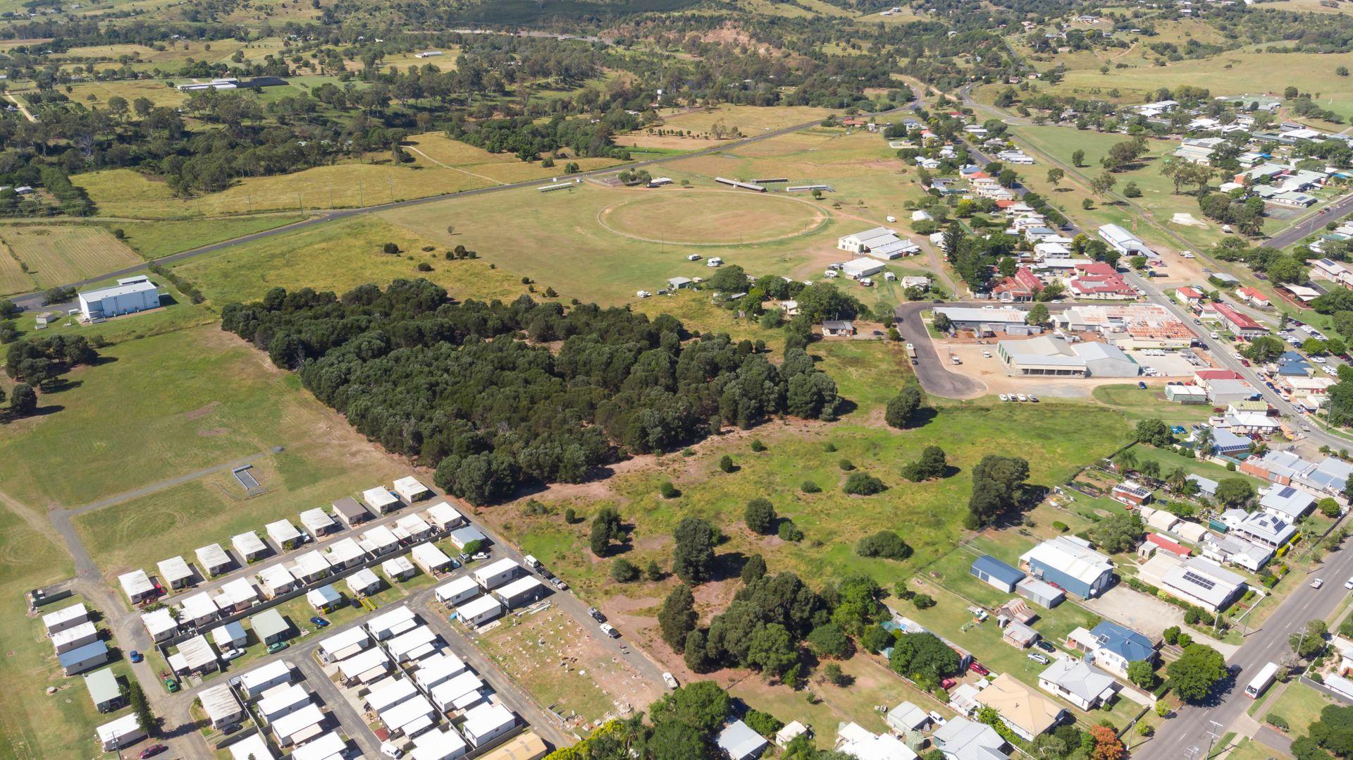 12 Station Street, Lowood QLD 4311, Image 2