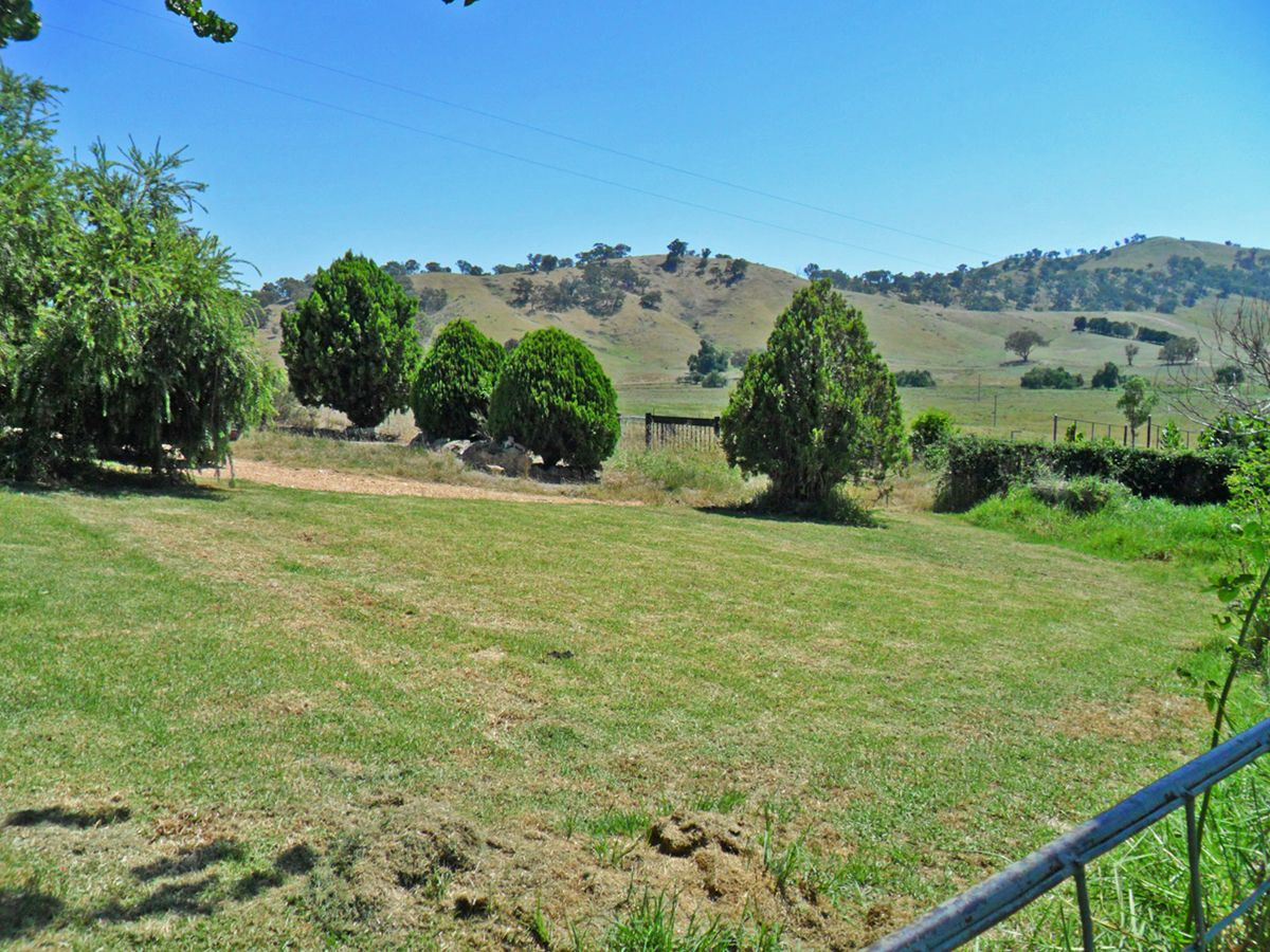 UNDER CONTRACT, Tumblong NSW 2729, Image 2
