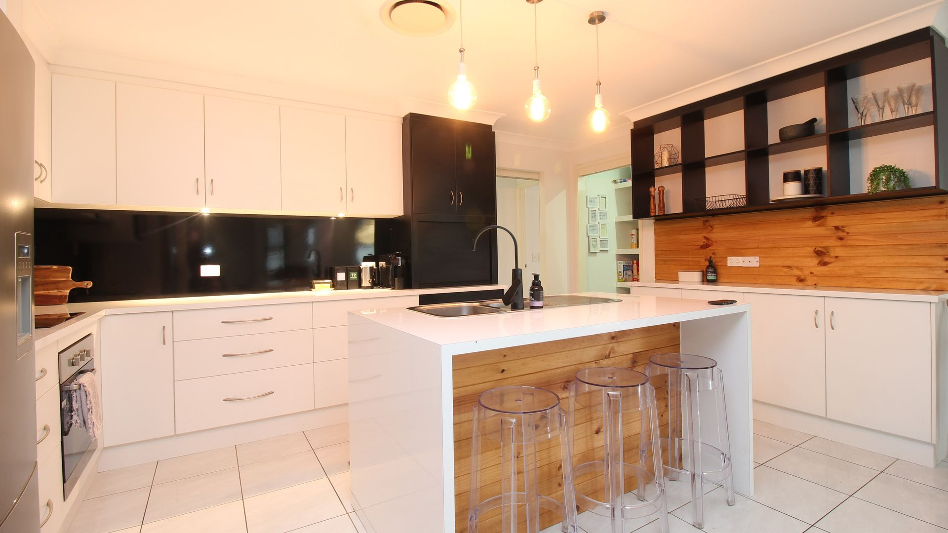 9 Charlton Street, Emerald QLD 4720, Image 1