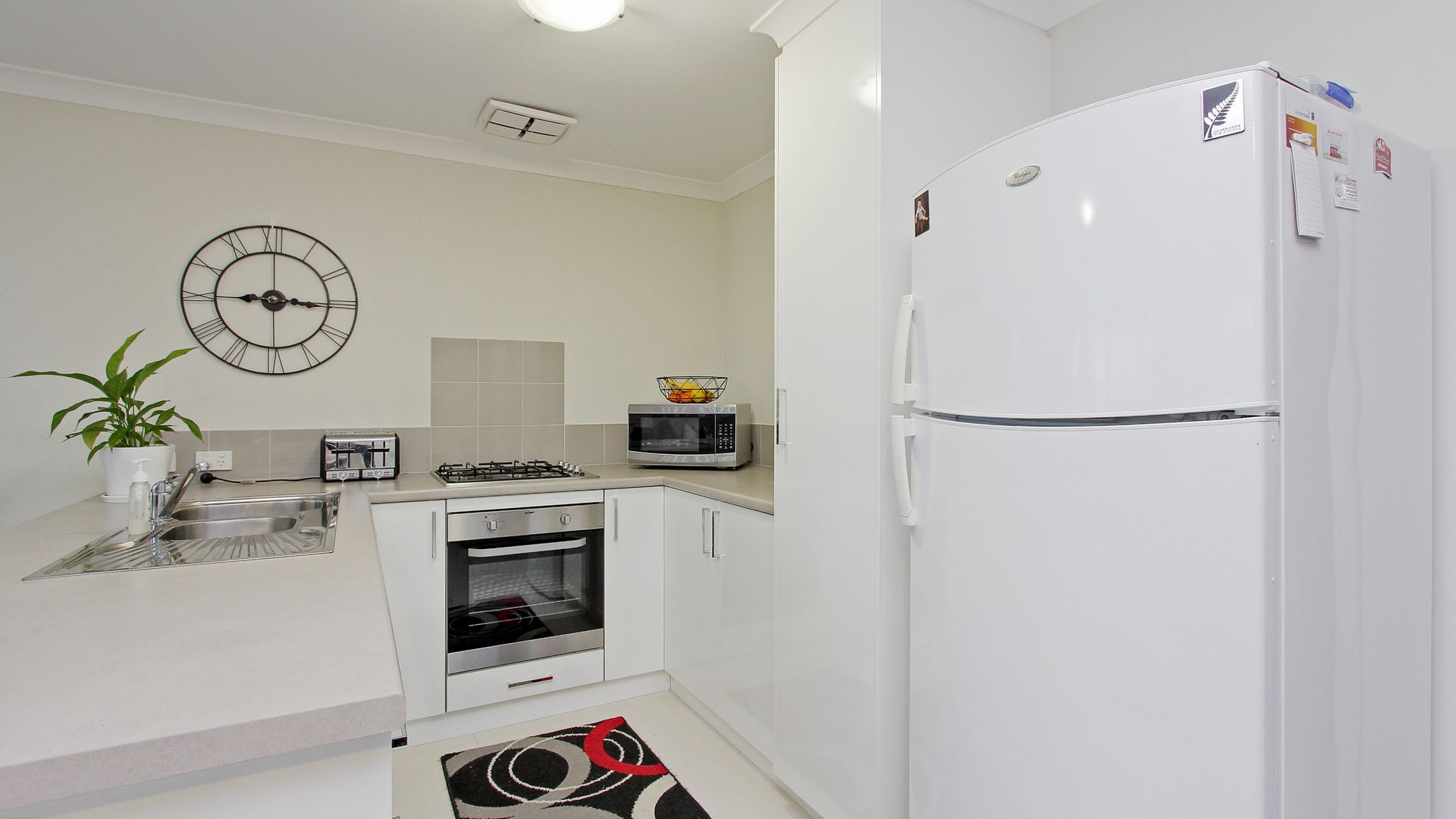 10/6 Chipping Crescent, Butler WA 6036, Image 2