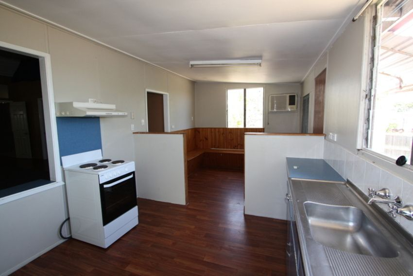 4 Rainbow Road, Charters Towers City QLD 4820, Image 2