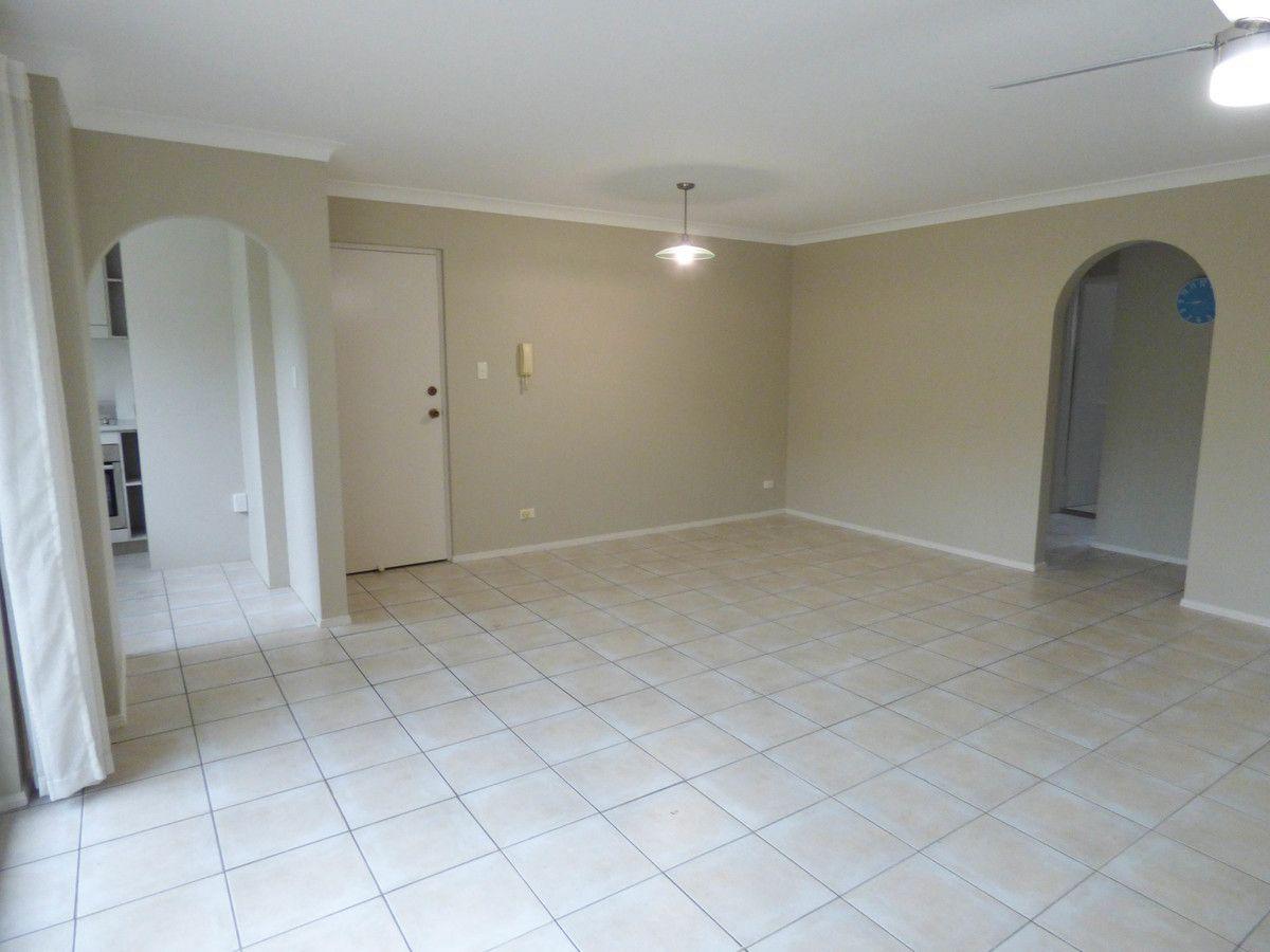 2/17 St Osyth Street, Toowong QLD 4066, Image 1