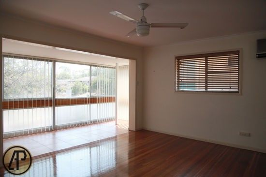 513 Broadwater Road, Mansfield QLD 4122, Image 2