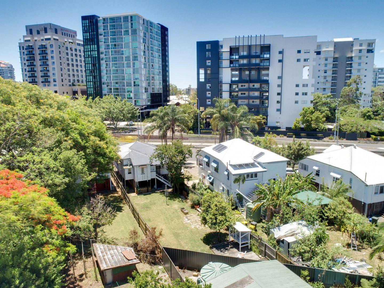 193 Shaftson Avenue, Kangaroo Point QLD 4169, Image 2