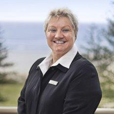 Sue Bell, Principal