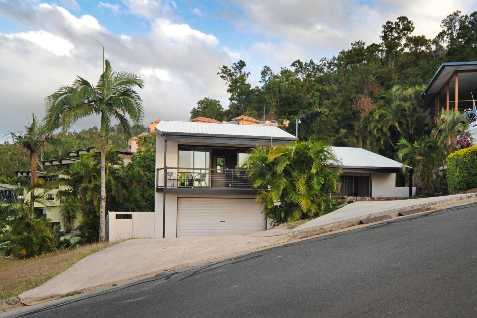 7 Kara Crescent, Airlie Beach QLD 4802, Image 2