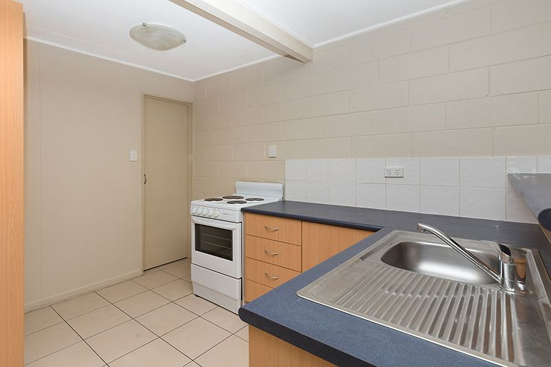 2/54 Percy Street, West End QLD 4810, Image 2